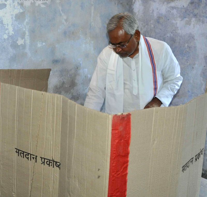 Bihar Chief Minister Nitish Kumar casts his vote during the fifth phase of 2014 Lok Sabha Polls in Patna on April 17, 2014.