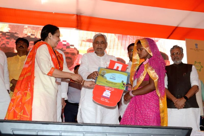 "Bihar Chief Minister Nitish Kumar distributes LPG connections under ""Pradhan Mantri Ujjwala Yojana"", in Darbhanga, Bihar on April 20, 2018. - Nitish Kumar"