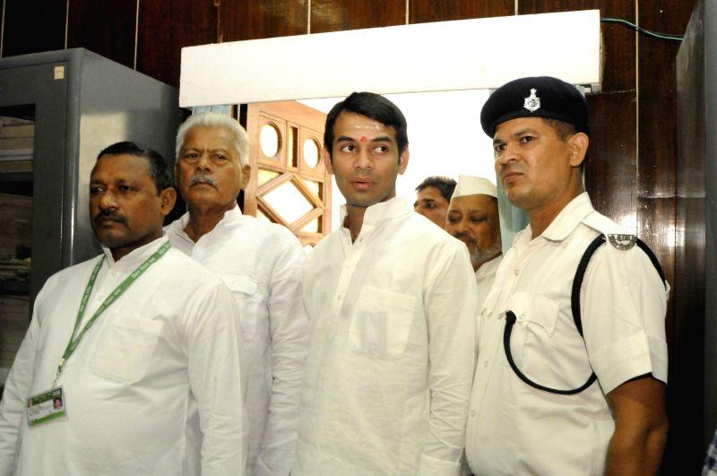 Bihar Health Minister Tej Pratap Yadav and other RJD MLAs arrive to cast their votes during  presidential polls at Bihar Assembly in Patna on July 17, 2017. - Tej Pratap Yadav