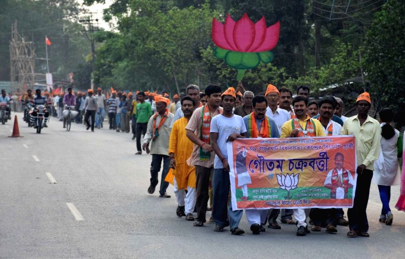 BJP candidate from Balurghat constituency, Gautam Chakraborty during an election campaign near Indo-Bangladesh border at Haripukur in South Dinajpur district of West Bengal on April 5, ... - Gautam Chakraborty