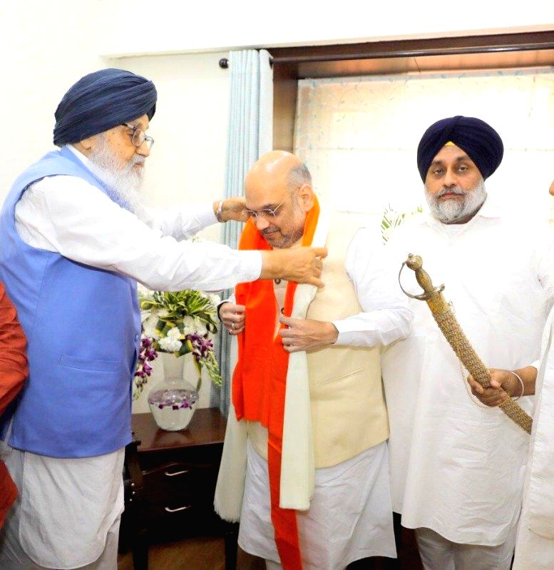 BJP chief Amit Shah calls on Akali Dal patron and five-time Chief Minister Parkash Singh Badal and his son and party President Sukhbir Singh Badal in Chandigarh, on June 7, 2018. - Parkash Singh Badal, Amit Shah and Sukhbir Singh Badal