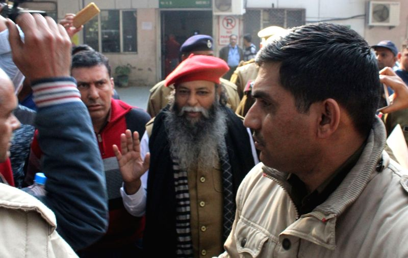 BJP leader Kunwar Surajpal Singh Amu being taken to PGI Rohtak from Civil Hospital Gurugram on Jan 29, 2018.