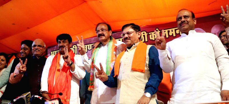 BJP leaders M Venkaiah Naidu, Shyam Jaju, Manoj Tiwari and others during a  press conference regarding party's performance in recently held MCD Polls in New Delhi on April 26, 2017. - M Venkaiah Naidu