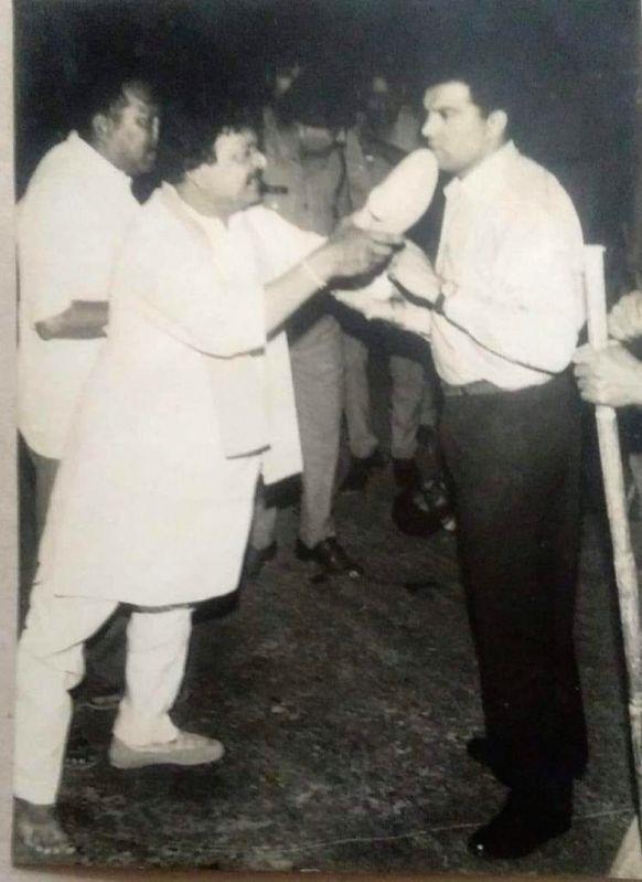 BJP's national general secretary Kailash Vijayvargiya had once shown a shoe to an officer two and a half decades ago and now his MLA son, Akash Vijayvargiya, used a cricket bat to beat up municipal officials.
