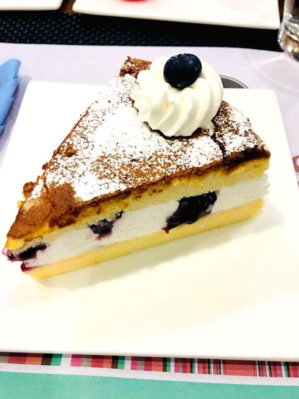 Bluberry Japanese Cheesecake.