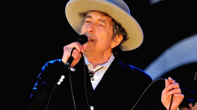 Bob Dylan in a concert in 2014