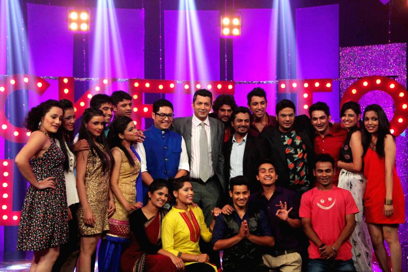 Bollywood actor Nawazuddin Suddiqui, filmmaker Kunal Kholi and Bollywood casting director Mukesh Chabbra on the sets of NDTV Prime`s Ticket to Bollywood in Mumbai, on May 2, 2014. - Nawazuddin Suddiqui