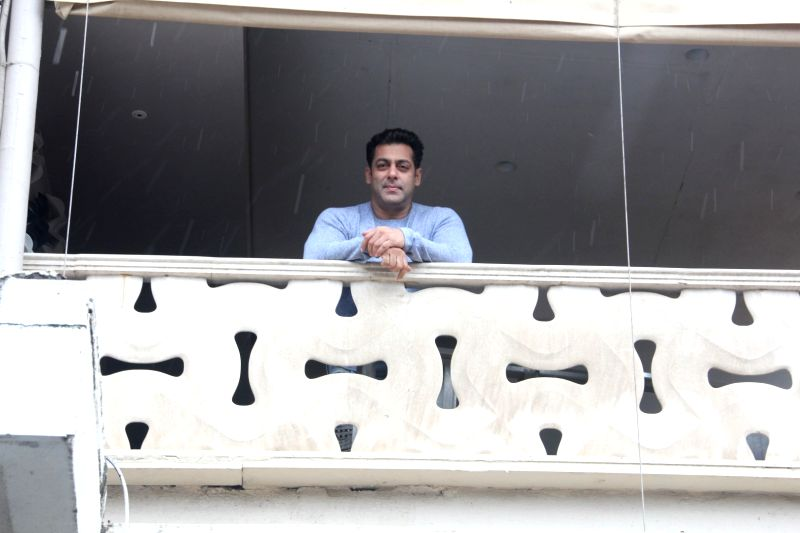 Salman Khan greet his fans on the occasion of Eid al-Fitr - Salman Khan
