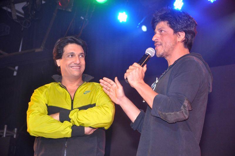 Bollywood actor Shahrukh Khan at Shiamak Dawar`s Summer Funk show at Sion. - Shahrukh Khan
