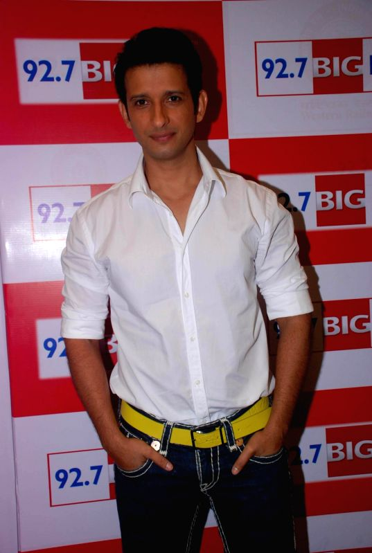 Bollywood actor Sharman Joshi promoting Ferrari Ki Sawaari at Big FM 92.7 in Andheri, Mumbai. - Sharman Joshi