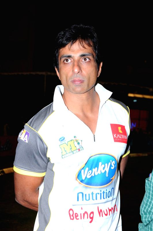CCL match between Telugu Warriors vs Mumbai - Sonu Sood