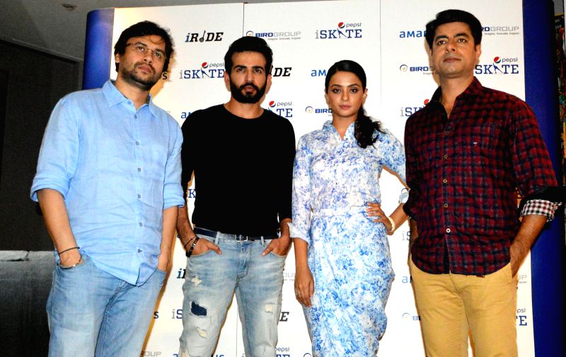 Bollywood actors Jay Bhanushali, Surveen Chawla, Sushant Singh and filmmaker Vishal Panday during the promotion of film Hate Story 2 in Gurgaon on July 17, 2014 in Gurgaon. - Jay Bhanushali, Surveen Chawla and Sushant Singh