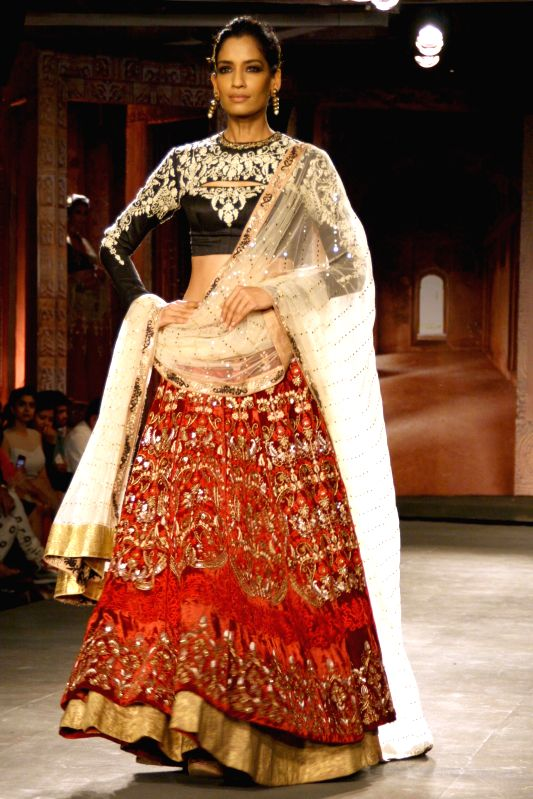 Fashion Designer Classes In Delhi