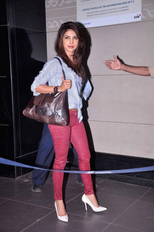 Bollywood actress Priyanka Chopra leave for IIFA Awards at International Airport. - Priyanka Chopra
