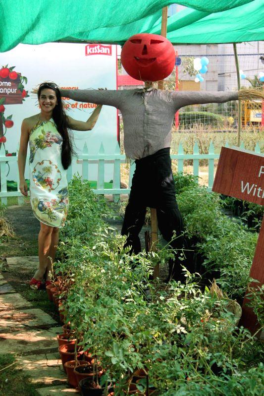 Bollywood actress Tara Sharma promotes Kissan at Malad.