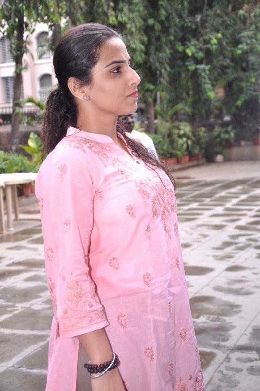 Bollywood actress Vidya Balan at Raju Hirani`s father`s prayer meet. - Vidya Balan