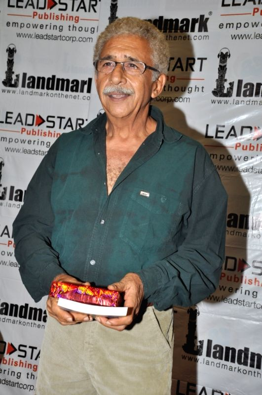 Bollywood actror Naseeruddin at the book launch of `A Bolt of Lightning by Satyen Nabar` at Landmark, Infiniti Mall, Andheri.