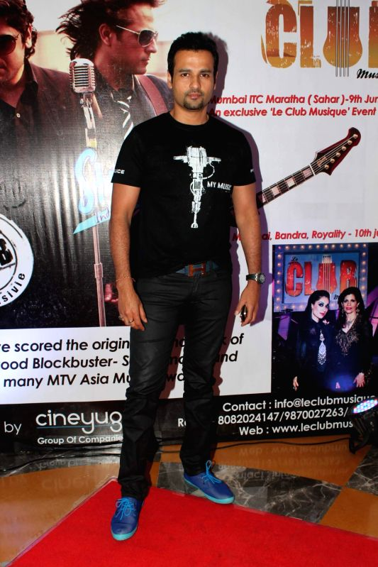 Bollywood celebs at Strings India Tour 2012 live concert at  ITC Grand Maratha.