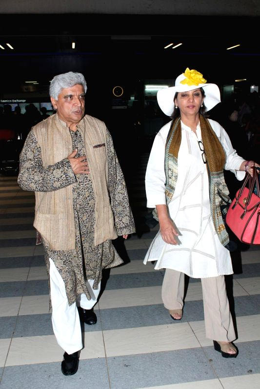 Bollywood celebs Javed Akhtar and Shabana Azmi return from IIFA Awards 2012. - Shabana Azmi