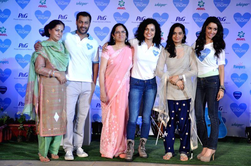 Bollywood Filmmaker Abhishek Kapoor With His Mother Actor Kangna Ranaut Her Asha