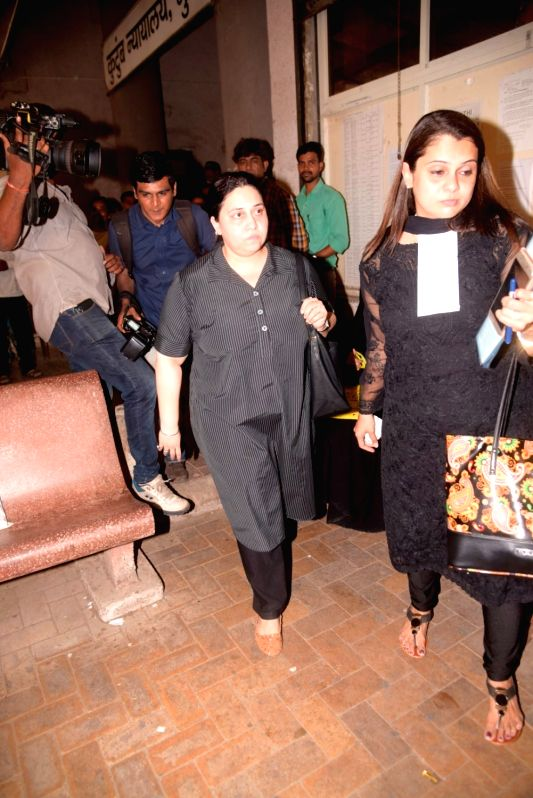 Bollywood music composer and actor Himesh Reshammiya's wife Komal leaves from Bandra family court, in Mumbai, on June 7, 2017. - Himesh Reshammiy