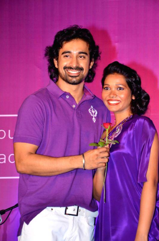 Bollywood star Ranvijay at Ponds date contest finals at Powai.