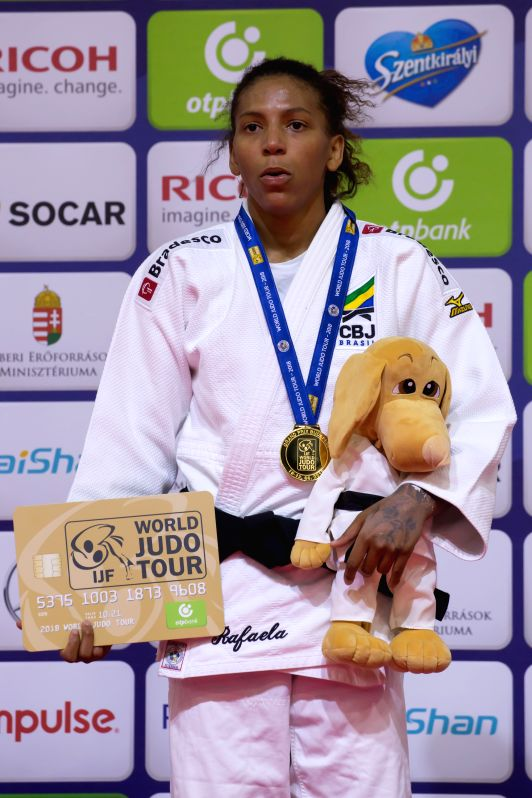 BUDAPEST, Aug. 11, 2018 - Gold medalist Rafaela Silva of Brazil attends the awarding ceremony of the women's 57kg category at the Judo Grand Prix Budapest 2018 in Budapest, Hungary on Aug. 10, 2018.