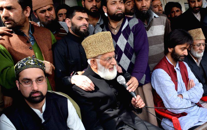 The chairman of the Hurriyat's moderate faction Mirwaiz Umar Farooq, Hardline Hurriyat leader Syed Ali Shah Geelani and  Jammu Kashmir Liberation Front (JKLF) chief Yasin Malik and others ...