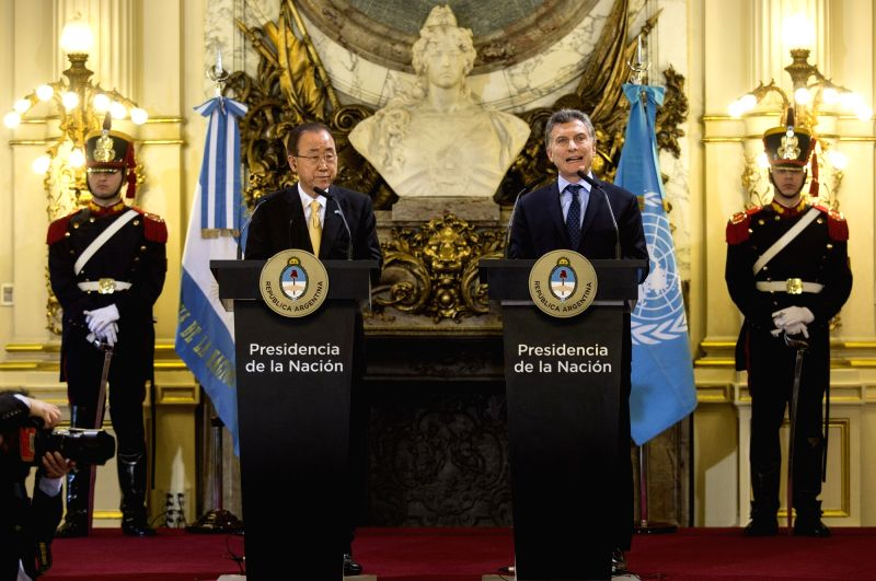 BUENOS AIRES, Aug. 8, 2016 - Argentinean President Mauricio Macri (R, Front) and the United Nations Secretary-General Ban Ki-moon (L, Front) address a press conference at the White Hall of the Pink ...