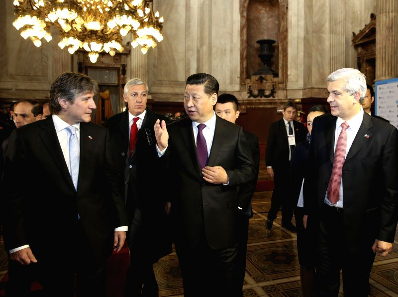 Chinese President Xi Jinping (C, front) meets with Argentine Vice President and Senate President Amado Boudou (L, front) and Chamber of Deputies President ...