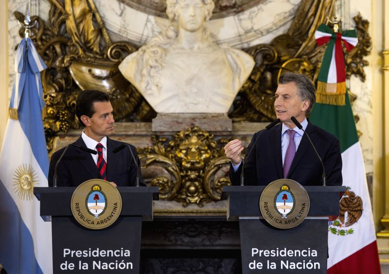 BUENOS AIRES, July 29, 2016 - Argentine President Mauricio Macri (R) and Mexican President Enrique Pena Nieto take part in a bilateral agreements signing ceremony at Casa Rosada government house, in ...