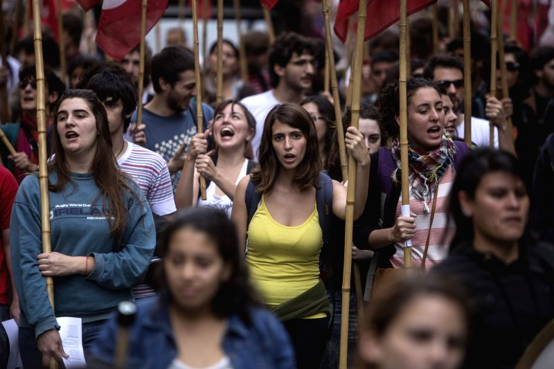 Members of political parties, social organizations and unions take part in a march to commemorate the International Labor Day, in Buenos Aires, capital of ...