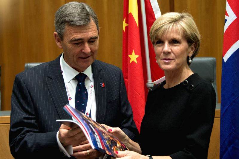 Australian Foreign Minister Julie Bishop (R) and National President of Australian China Business Council (ACBC) John Brumby attend the launching meeting of ACBC's ... - Julie Bishop