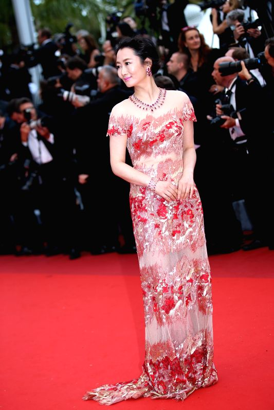 CANNES, May 11, 2011 - Chinese actress Zhao Tao poses on the red carpet before the opening of the 69th Cannes Film Festival in Cannes, France, on May 11, 2016. The 69th Cannes Film Festival will be ... - Zhao Tao
