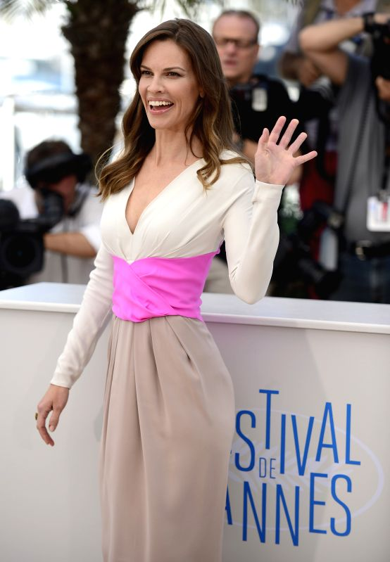 """U.S. actress Hilary Swank pose during the photocall for """"The Homesman"""" at the 67th Cannes Film Festival in Cannes, France, May 18, 2014. The movie is ... - Hilary Swank"""
