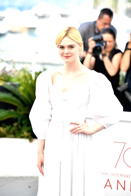 """CANNES, May 24, 2017 - Actress Elle Fanning of the film """"The Beguiled"""" poses for a photocall in Cannes, France on May 24, 2017. The film """"The Beguiled"""" directed by American ... - Elle Fanning"""