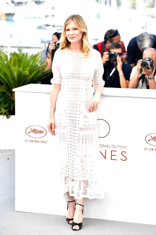 """CANNES, May 24, 2017 - Actress Kirsten Dunst of the film """"The Beguiled"""" poses for a photocall in Cannes, France on May 24, 2017. The film """"The Beguiled"""" directed by American ... - Kirsten Dunst"""