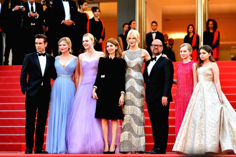 CANNES, May 24, 2017 - Irish actor Colin Farrell, U.S. actress Kirsten Dunst, U.S. actress Elle Fanning, U.S. director Sofia Coppola, Australian actress Nicole Kidman, U.S. producer Youree Henley, ... - Colin Farrell