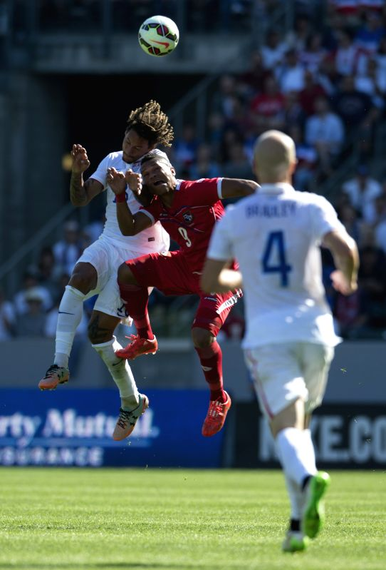 Jermaine Jones (L) of the United States vies with Jermaine Jones of Panama during a soccer friendly match in Carson City, the US, Feb. 8, 2015. The US won 2-0. ..