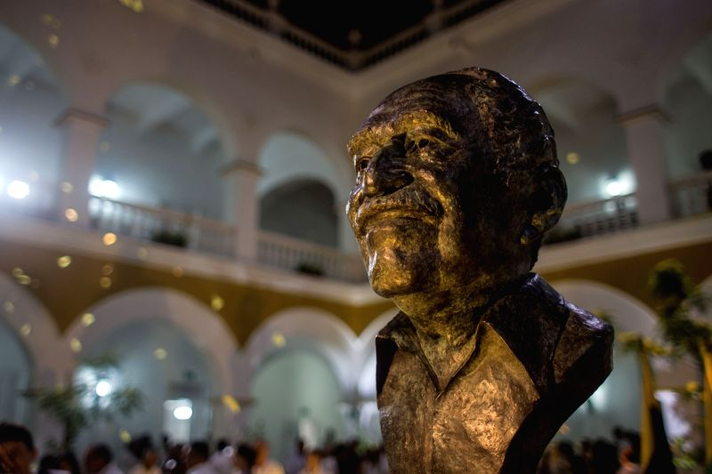 CARTAGENA, May 23, 2016 - A bust of late Nobel laureate Gabriel Garcia Marquez is unveiled during his tribute and receiving of his ashes, in the city of Cartagena, Colombia, on May 22, 2016. ...