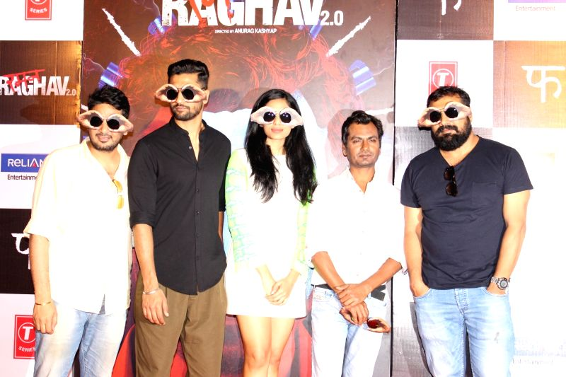 Casting director Mukesh Chhabrai, actors Nawazuddin Siddiqui, Vicky Kaushal, Sobhita Dhuliwala and filmmaker Anurag Kashyap during the trailer launch of film Raman Raghav 2.0 in Mumbai, on ... - Mukesh Chhabrai, Nawazuddin Siddiqui, Vicky Kaushal, Sobhita Dhuliwala and Anurag Kashyap