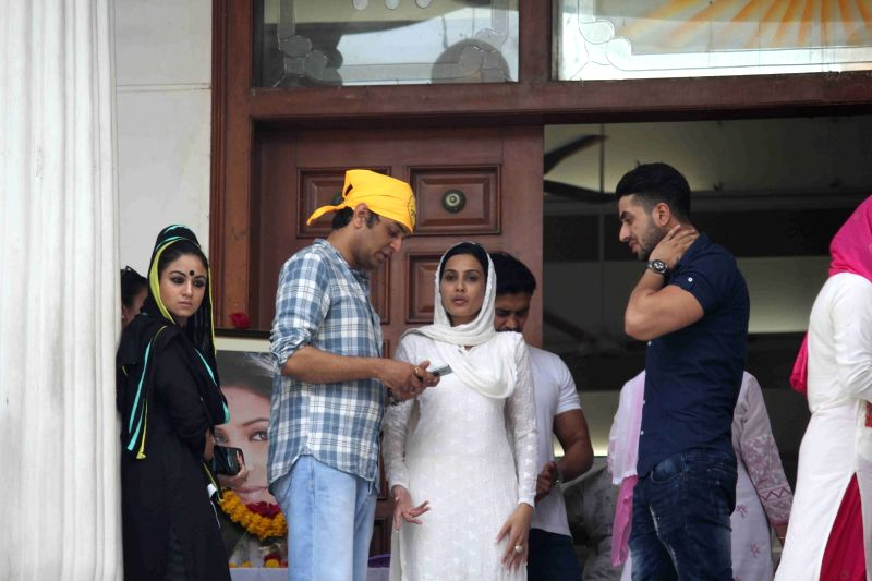 Celebs arrive for the prayer meeting for television actor Pratyusha Banerjee in Mumbai on April 5, 2016. - Pratyusha Banerjee