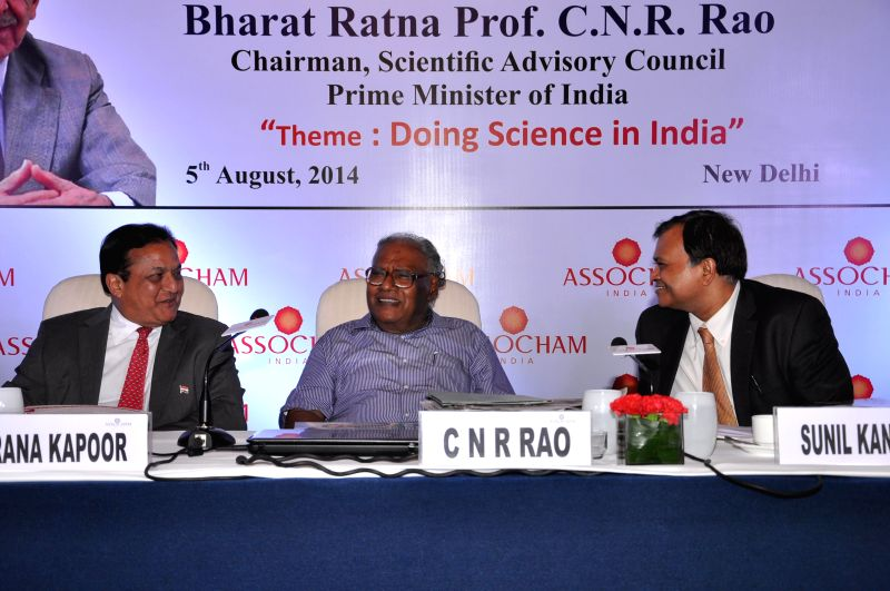 Chairman of Scientific Advisory Council of Prime Minister of India, Bharata Ratna Dr. CNR Rao with President of ASSOCHAM Rana Kapoor and ASSOCHAM Sr. Vice President Sunil Kanoria during the 17th JRD . - Kapoor