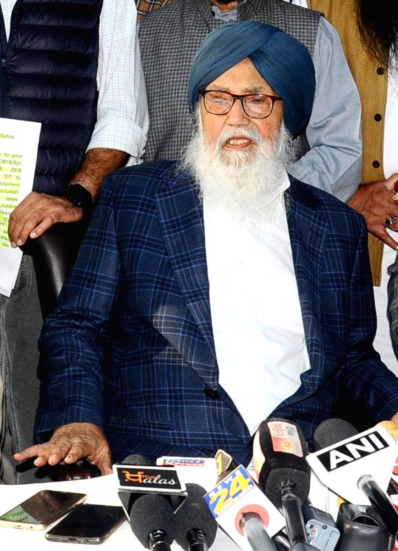Chandigarh: Former Punjab Chief Minister Parkash Singh Badal talks to media after Special Investigation Team questioned him in connection to the Kotkapura firing case 2015 at Kotkapura, in Chandigarh on Nov 16, 2018.
