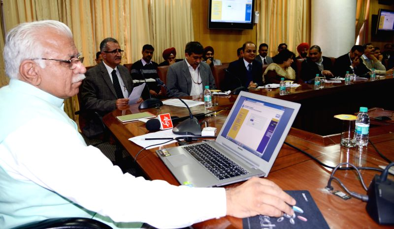 Haryana Chief Minister Manohar Lal Khattar inaugurates the New Registration System in all Tehsils of the State at Chandigarh on Feb. 3, 2015. - Manohar Lal Khattar