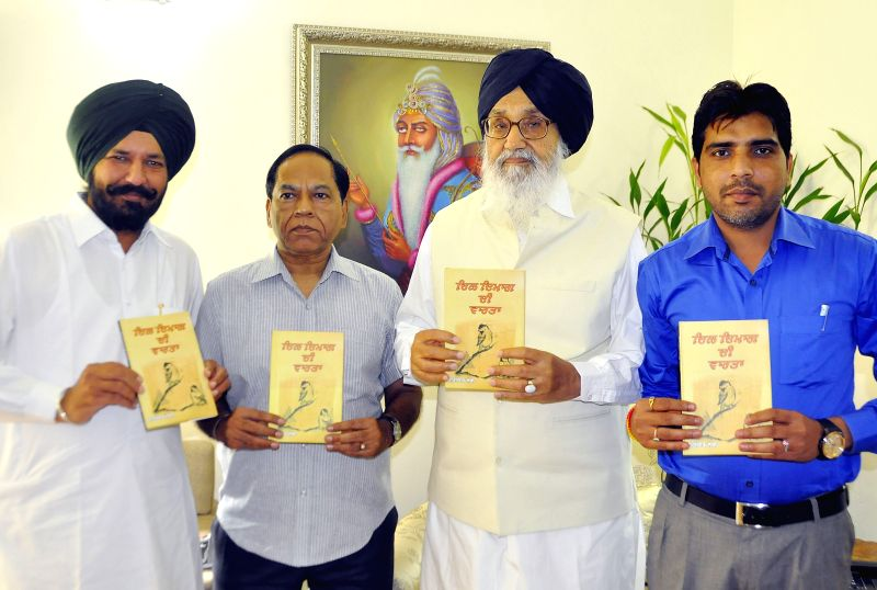 Punjab Chief Minister Parkash Singh Badal at the launch of Gursewak Singh Lambi`s book `Dil Dimaag Di Vaarta` in Chandigarh on April 28, 2015. - Parkash Singh Badal and Gursewak Singh Lamb