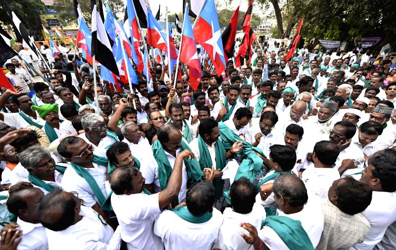 Members of Various Political parties along with farmers protesting against the Karnataka government's dam schemes in Chennai on Jan. 28, 2015.
