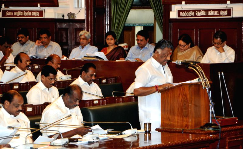 Tamil Nadu Chief Minister O. Panneerselvam presents the state budget 2015-16 in the state legislative assembly in Chennai, on March 25, 2015. - O. Panneerselvam