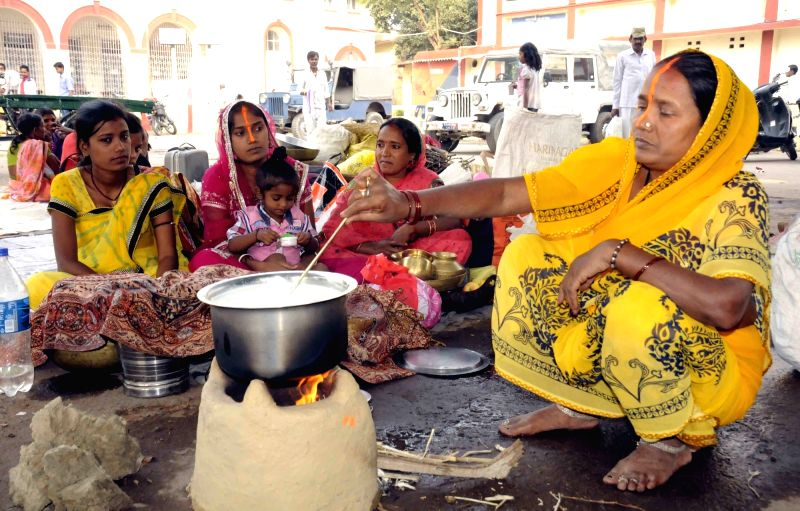 Chhath Puja celebrations underway in Patna