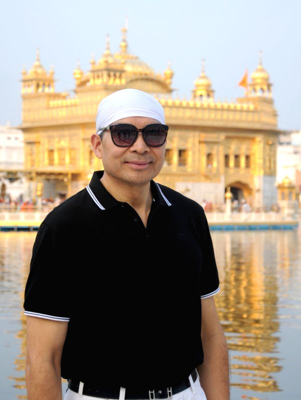 China's ambassador to India Luo Zhaohui visits Golden Temple, in Amritsar, on Aug 10, 2018.
